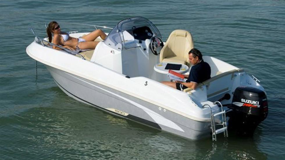 3 motoscafo flyer 500 open noleggio lago garda 2 gyc for Noleggio di cabine per lago