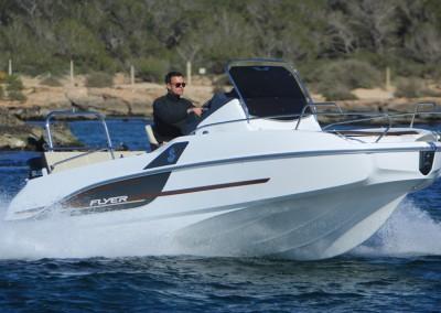 Motoscafo Flyer Sun Deck 5.5 noleggio lago di Garda