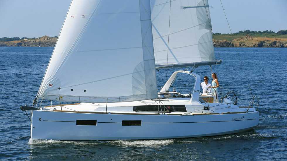 Rent sailboats with license